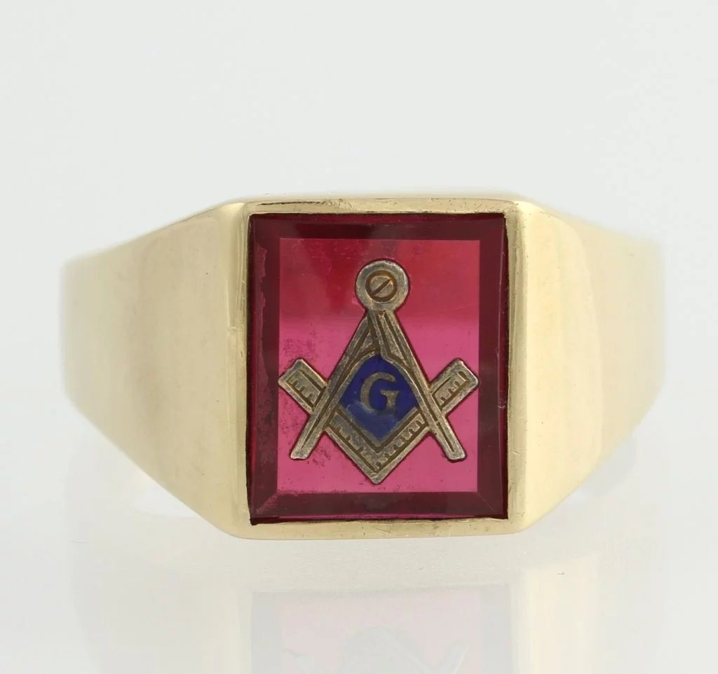 Classic Red Stone Masonic Masons Symbol Ring 10k Solid Gold Square