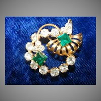 Vintage Gold tone Emerald Green White Rhinestone Floral Brooch Pin