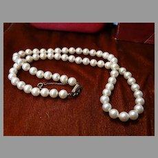 Majorica Pearls w/box 14K Clasp Man Made Vintage
