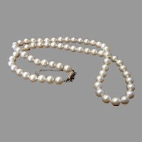 Majorica Pearls w/box 14K Clasp Man Made Vintage