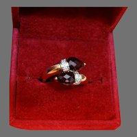 Vintage 14K Gold Garnet Diamond Ring