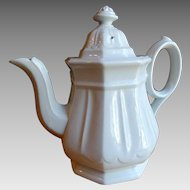 Wedgwood White Ironstone Staffordshire Coffee Pot 1860s