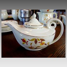 Hall China Jewel Tea Autumn Leaf Long Spout Aladdin Teapot w/ Infuser