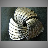 Superb Vintage Custom Jewelry Silver Winged Brooch Open Circle Pin Brooch