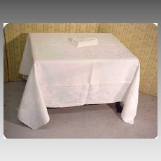 Damask Linen Banquet Tablecloth + Napkins Set Grape Heirloom