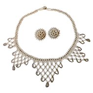 """Vintage Elegant Seed Bead Woven Beaded Bib Collar 16.25"""" Choker Necklace with Matching Screw Back Earrings White & Silver Gray 1950s"""
