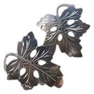 Vintage Lovely Sterling Silver Grape Leaf Detailed Etched 1.10inch Earrings Screwback