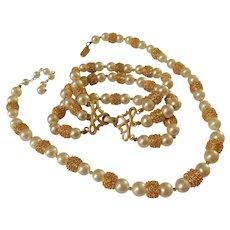 Vintage Crown Trifari Brushed Gold & Faux Pearl Necklace Choker & Bracelet Set Demi Parure