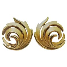 Vintage Crown Trifari Gold Plated Clip On Swirl Earrings Brushed & Smooth Texture Signed