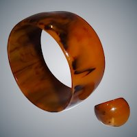 Vintage EXTRA WIDE Marbled End-of-Day Bakelite Bangle Bracelet and Matching Ring Set