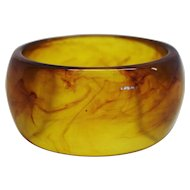 Vintage Thick and Wide Apple Juice Lucite Bangle Bracelet