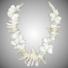 Vintage Chunky White Seashell Necklace