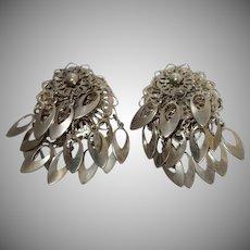 Vintage Silvertone Metal Dangle Earrings