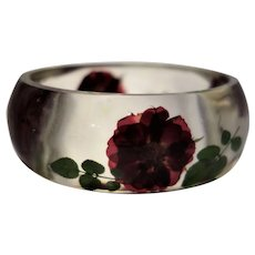 Vintage Clear Lucite Bracelet with Embedded Dried Flowers