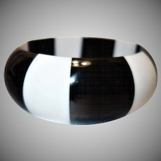 Black and White Striped Domed Lucite Bangle Bracelet