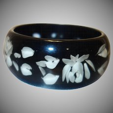Vintage Black Reverse Carved Lucite Bangle Bracelet