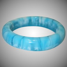 Vintage Domed Marbled Blue Lucite Bangle Bracelet