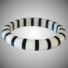 Vintage Cased Black and White Lucite Bracelet