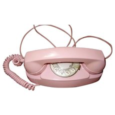 Vintage PINK Bell Systems Rotary Dial Princess Phone