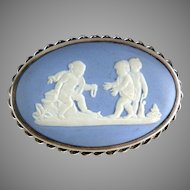 Vintage Wedgwood cameo brooch sterling cherubs at play