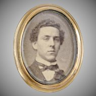 Antique gem tintype photo pin ca 1860s. brass frame Daguerreotype