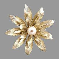 Vintage flower brooch faux pearl center c. 1960s Lisner