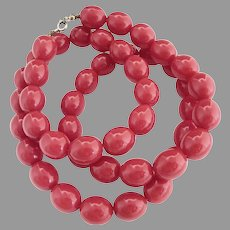 Vintage red bead necklace strand
