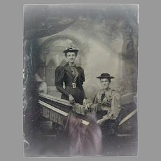 Antique daguerreotype two ladies portrait c. 1850s