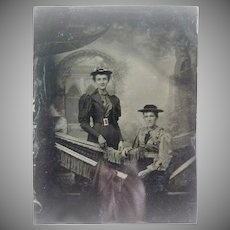 Antique daguerreotype two ladies portrait c. 1850s