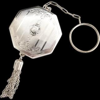 Vintage powder compact ring chain tassel 1940s Dance Club
