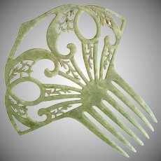 Vintage green mantilla hair comb c. 1940s