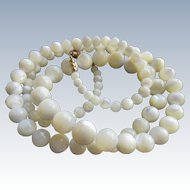 Vintage Mother Of Pearl Beaded Necklace