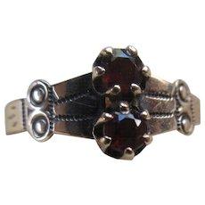Antique Victorian 9C Garnet Ring