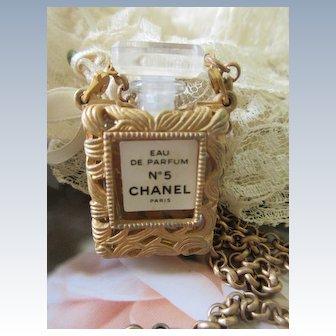 Chanel Eau De Parfum Chanel No 5 Long Chain Necklace
