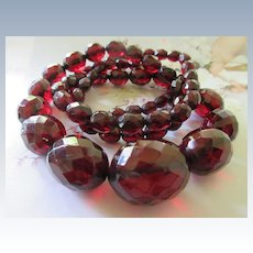 Vintage 20s Cherry Amber Faceted Bakelite Beaded Necklace