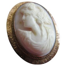 Antique 10K Pink Shell Cameo Pendant Brooch