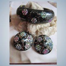 Vintage Thermoset Plastic Rhinestones Floral Clamper Bracelet Clip On Earrings