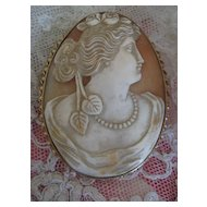 14K Carved Shell Cameo     Flora