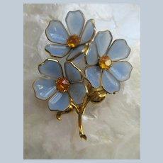 Vintage Trifari 1940s Poured Glass Flowers Fur Clip