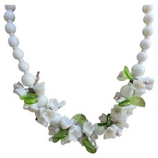 Vintage Molded White Glass Flowers Necklace
