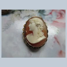 Vintage Carved Shell Cameo Pendant Brooch in Gold Fill