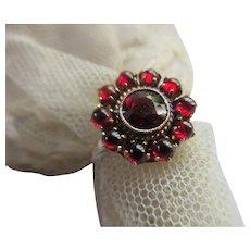 Vintage 10K Bohemian Garnet Ring