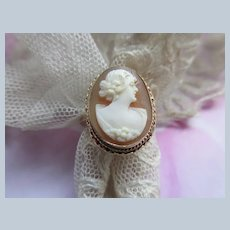 Vintage 10K Carved Shell Cameo Ring Size 7.5
