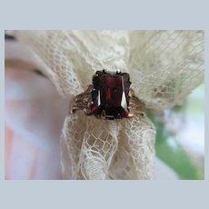 Victorian Antique 10K Garnet Ring