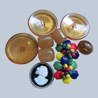 Vintage Group of Fabulous Buttons