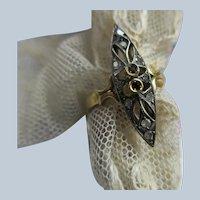 Older Vintage 18K Platinum Diamond Sapphire Ring