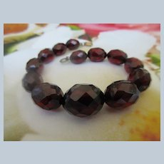Vintage Faceted Cherry Amber Colored Beaded Bracelet