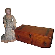 UNIQUE Antique/Vintage Miniature Dove-Tailed Presentation Trunk for CHINA or WOODEN DOLLS!