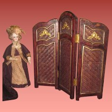 GORGEOUS Antique/Vintage Miniature French Fashion Doll Wooden Folding Screen!