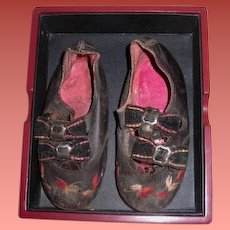 FANCY Pair of Antique Black Leather Hand Embroidered Child/Doll Shoes for JUMEAU/BRU Bebe!